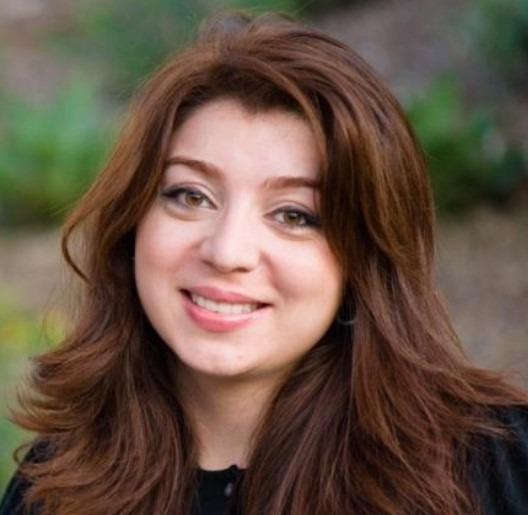 Nazanin-Zadeh-dentist