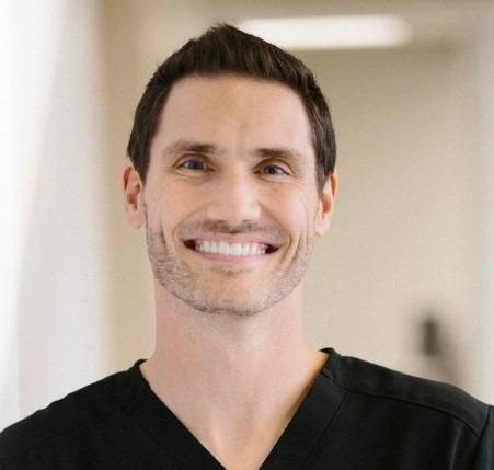 Brandon-Curfew-dentist
