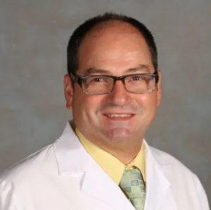 Alejandro-Urdaneta-dentist