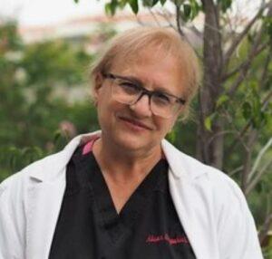 Alison-Stapakis-dentist