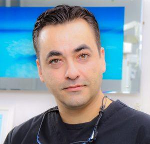 Kia-Afshar-dentist