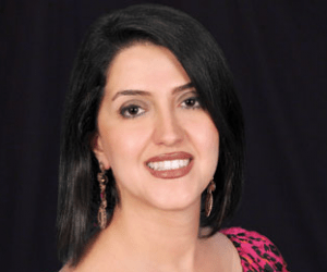 Mahkameh-Farnad-dentist