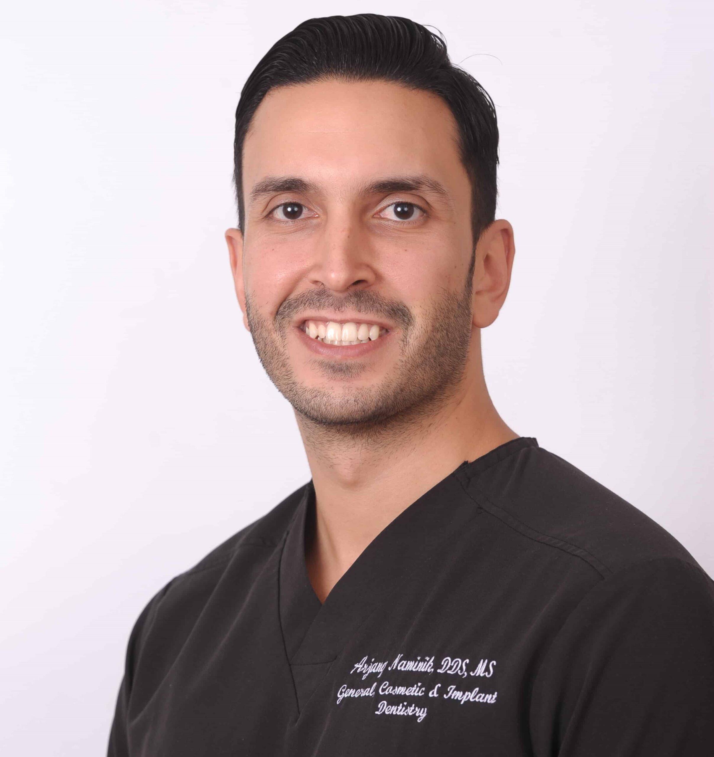 Arjang-Naminik-dentist