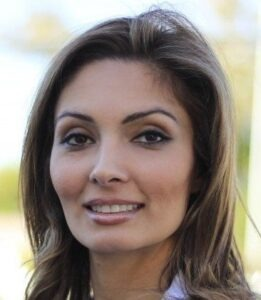 Yasaman-Hassanizadeh-dentist