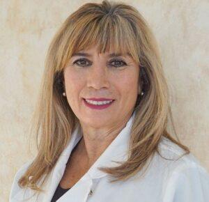 Andrea-Patricia-De-Leon-dentist