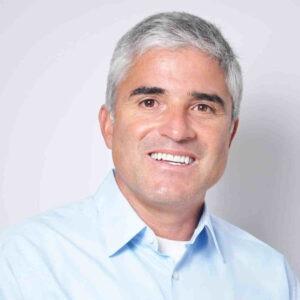 Camilo-Riano-dentist