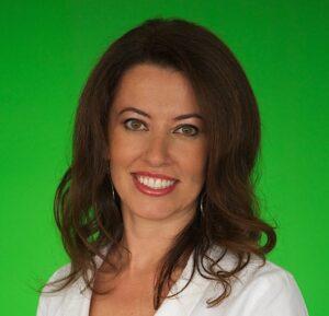 Sanda-Moldovan-dentist