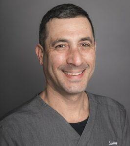 Santiago-Uribe-dentist