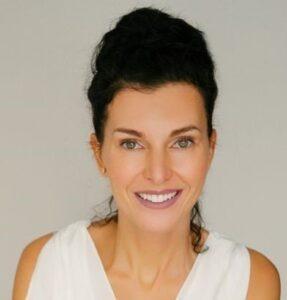 Andreea-Larhs-dentist
