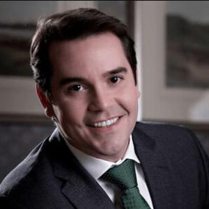 Gustavo-De-Oliveira-dentist