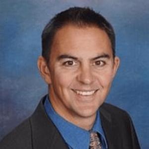 Jorge-Rafael-Angulo-dentist