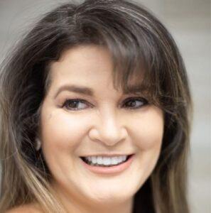 Maria-Magalhaes-dentist