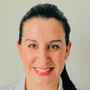 Lauren-Izadi-dentist