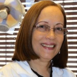 Elizabeth-Noboa-dentist