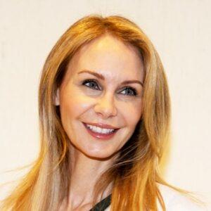 Jennifer-Salzer-dentist