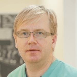 Vitaliy-Valyuk-dentist