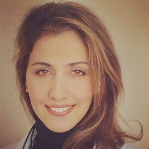 Mandana-Kouroshnia-dentist