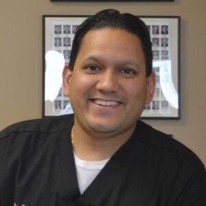 Raj-Puri-dentist